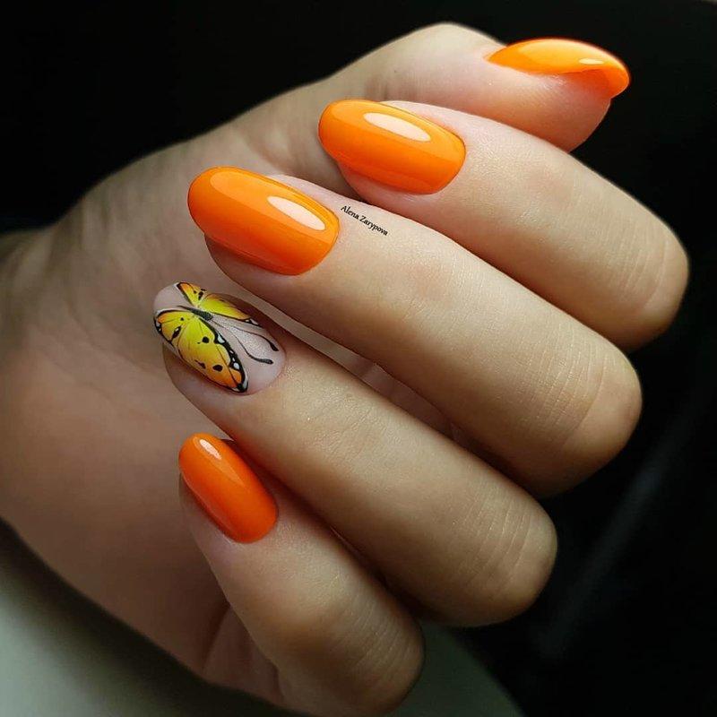 Оранжевый маникюр на осень