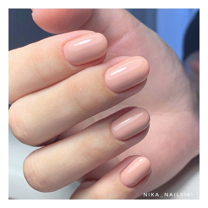 Кремовые ногти