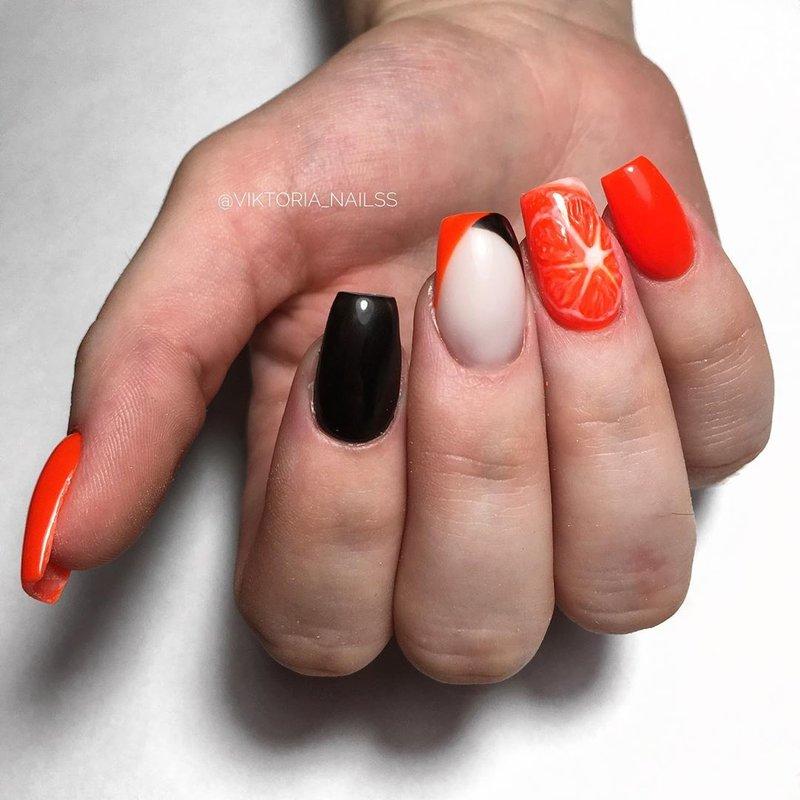Апельсин на ногте
