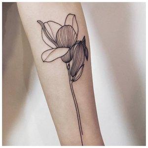 """Цветок в технике """"лайнворк"""""""