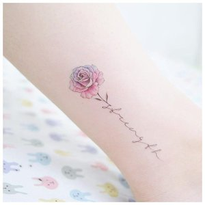 Красивый цветок для тату