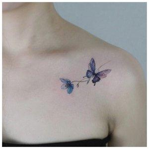 Бабочка на ключице