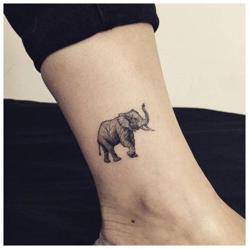 Слоник - тату на руку