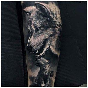 Мужское тату волка