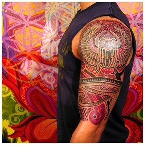 Татуировка на все плечо