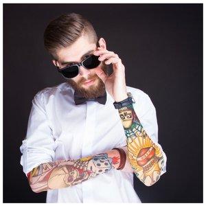 Цветные татуировки на предплечьях
