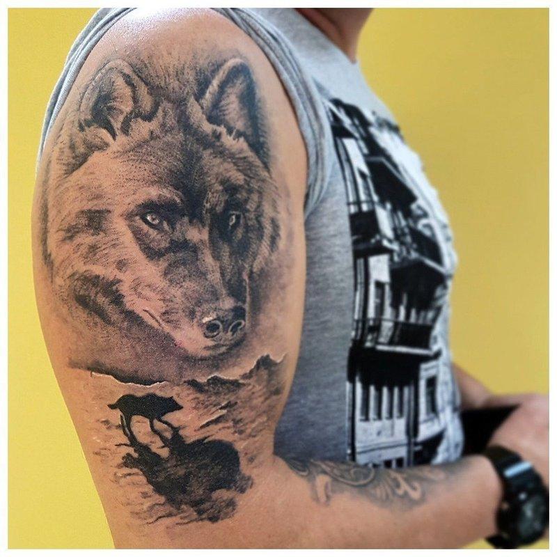 Волчья морда - тату на плече