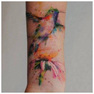 Анималистическая тематика для тату на запястье