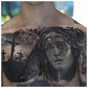 Лик Девы Марии в стиле реализма