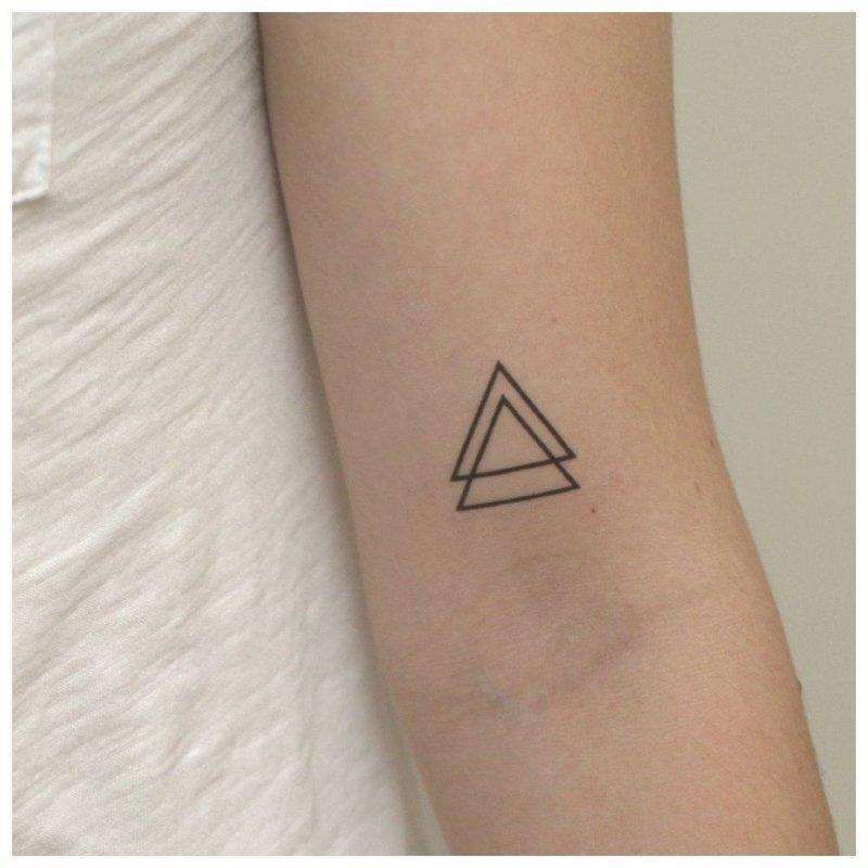 Треугольник тату