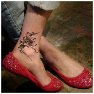 Цветок на косточке ноги