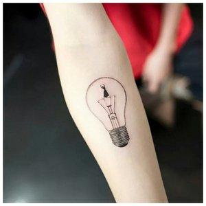 """Лампочка в стиле """"минимализм"""""""