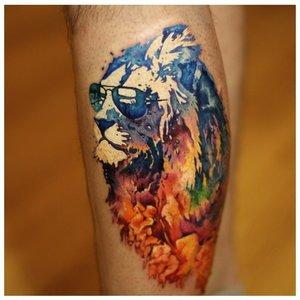 Лев в технике акварели