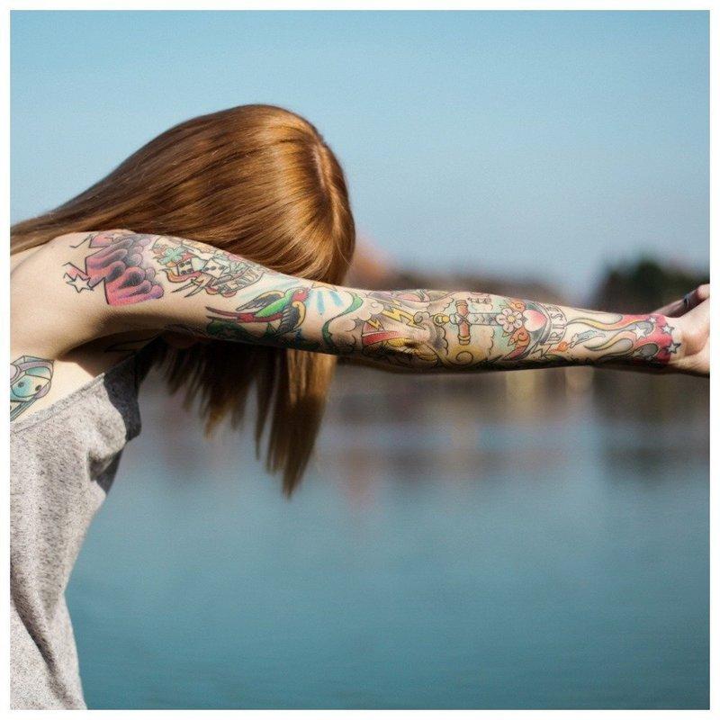 Нежное тату на руку для девушки