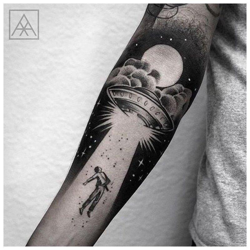 Космическая тематика для тату