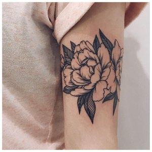 Роза на предлечье