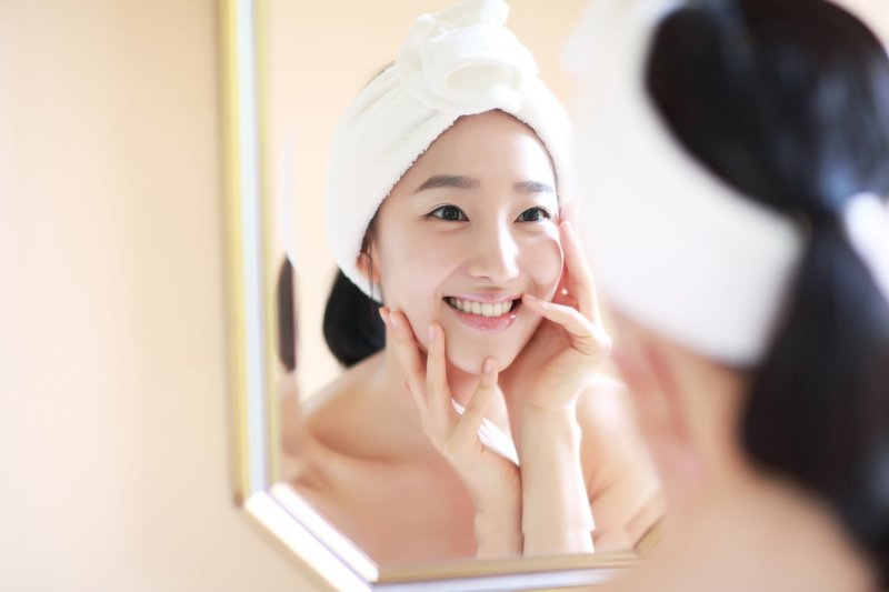 Утренний уход за кожей лица кореянки