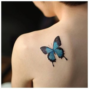Тату бабочки на лопатках