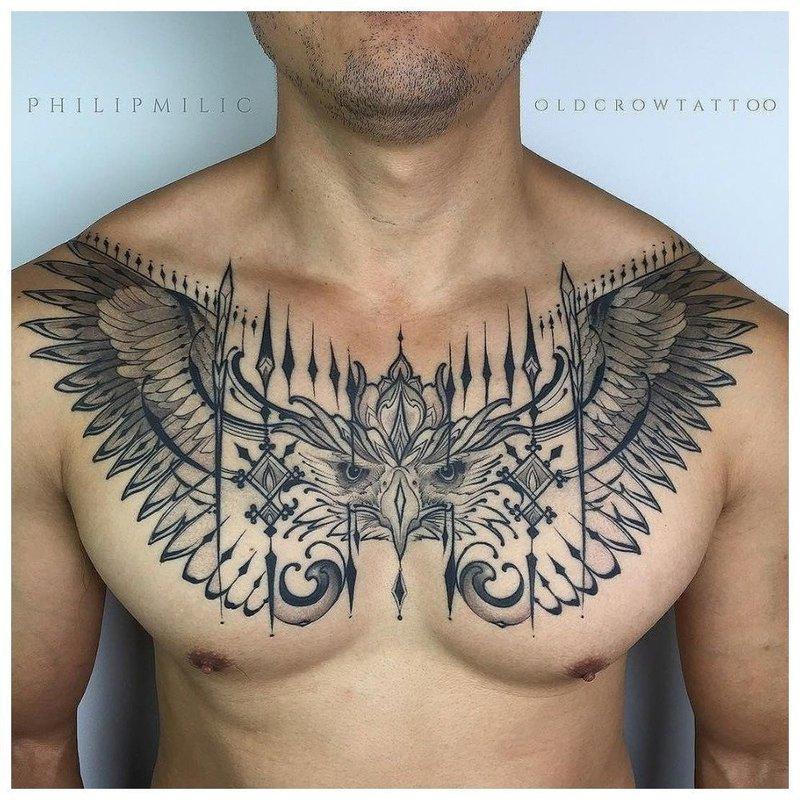 Анималистическая тематика тату мужчине на грудь