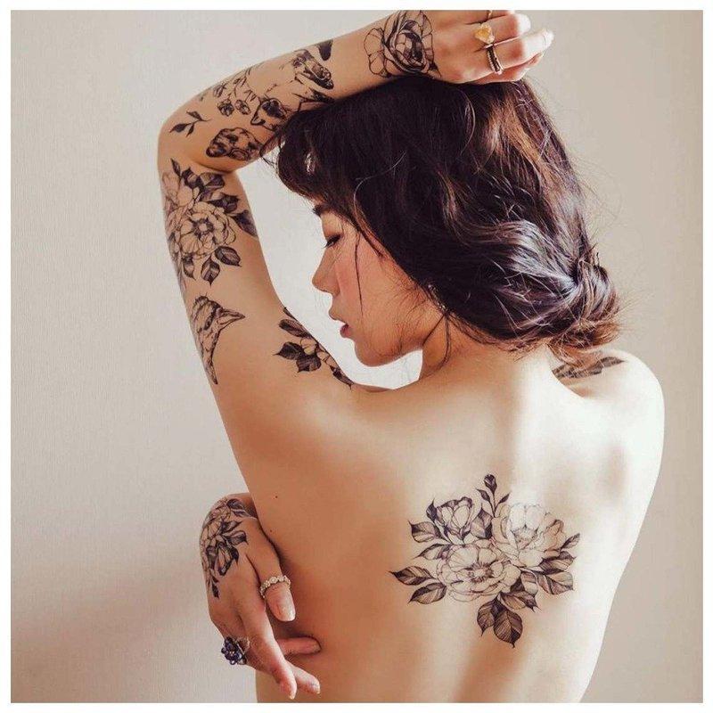 Разные тату в минималистической технике