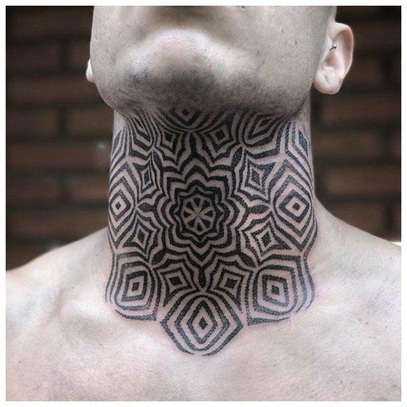 Тату орнамент на всю шею мужчине