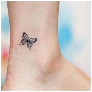 Тату бабочки на щиколотке