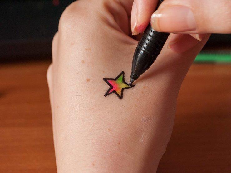 Простые татуировки ручкой