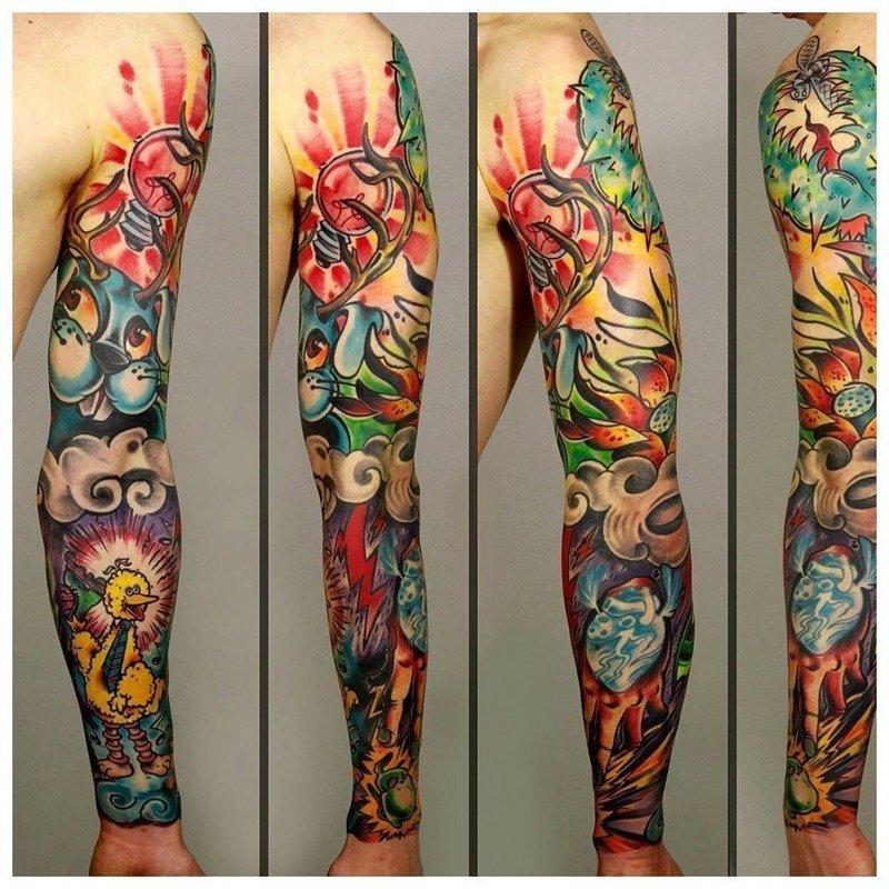 Цветная тату в мультипликационном стиле