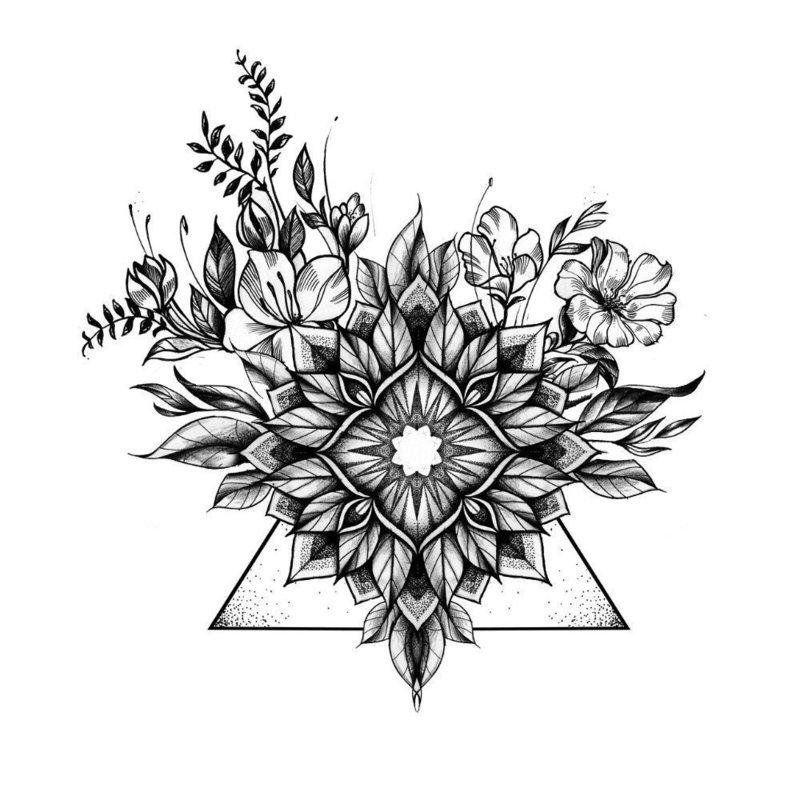Необычный эскиз цветка для тату