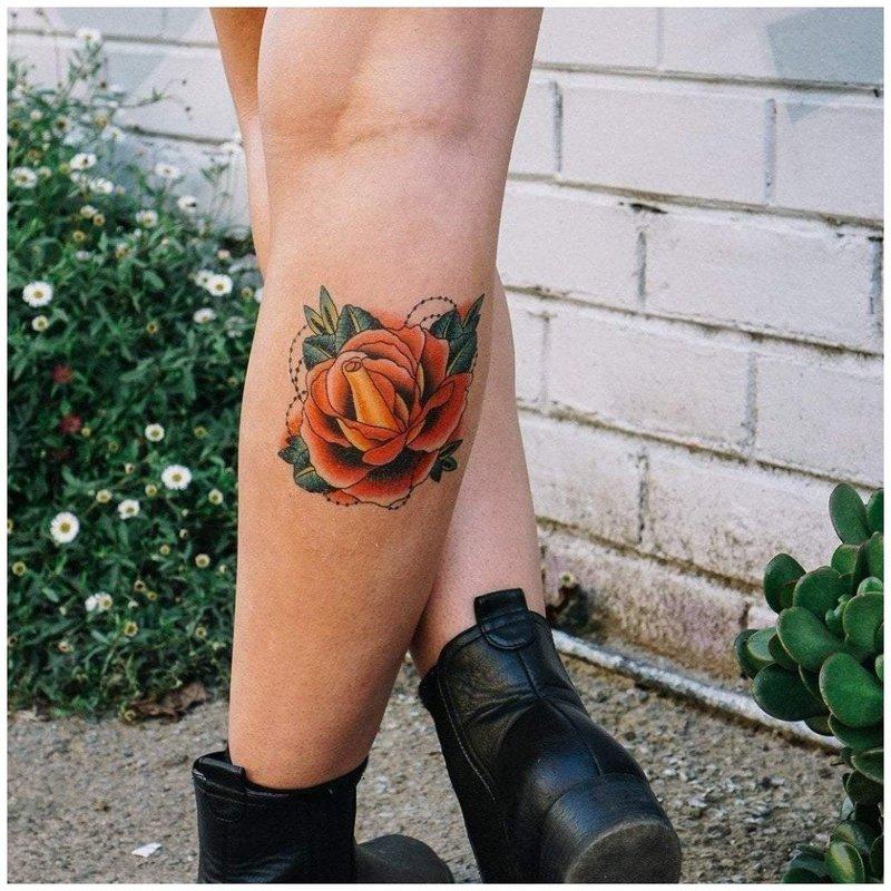 Желтая роза тату