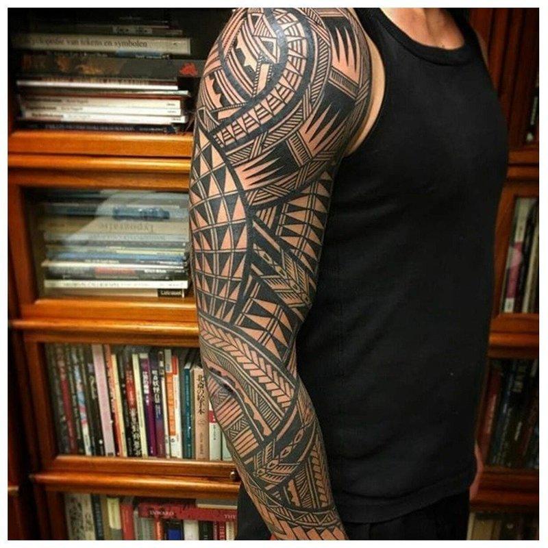 Тату рукава маори