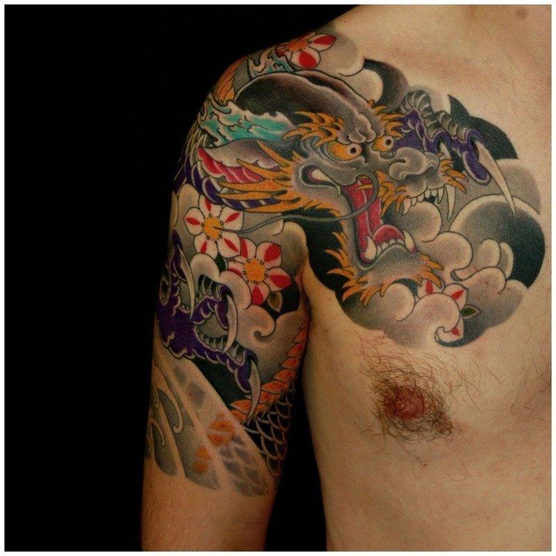 Тату японский дракон на плече