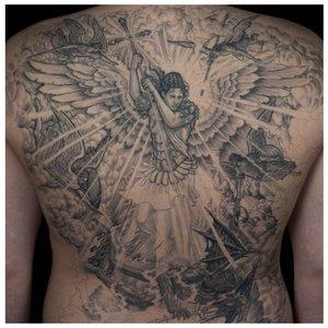 Тату на спине с архангелом