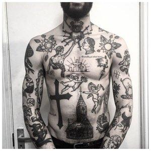 Заключенный в татуировках