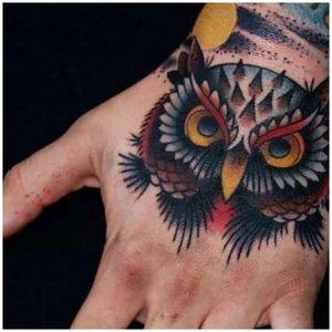 Тату птицы на руке