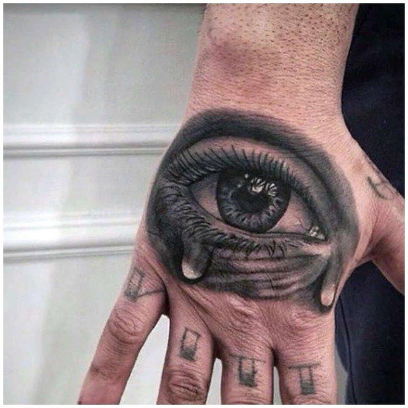 Глаз человека тату в стиле 3D