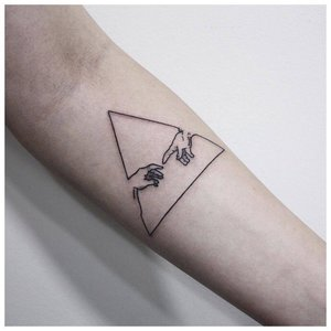 Тату из треугольников для мужчин