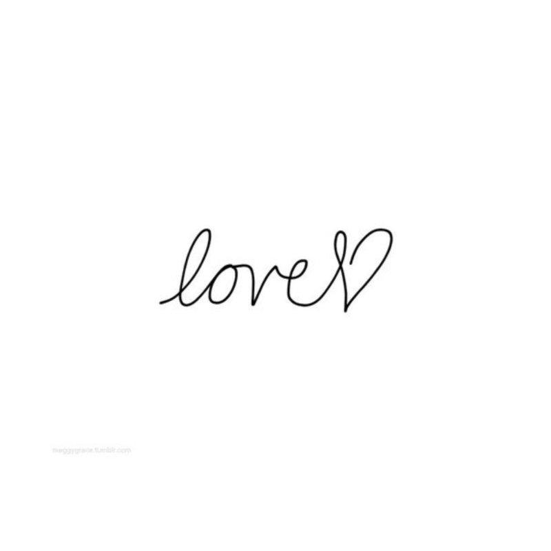 "Тату-надпись ""Любовь"""