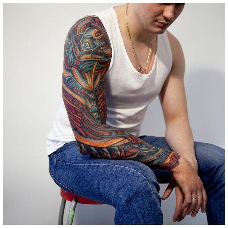Цветная тату в стиле механики