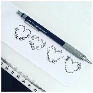 Сердечки нарисованные ручкой