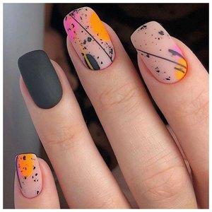"""Матовые ногти с дизайном """"абстракция"""""""