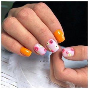 Летний дизайн ногтей с оранжевым гель-лаком