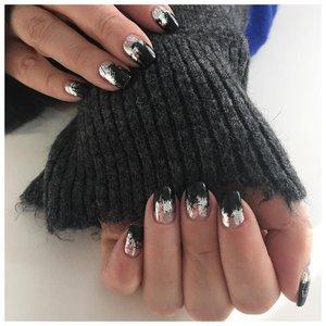 Комбинированный дизайн ногтей с фольгой
