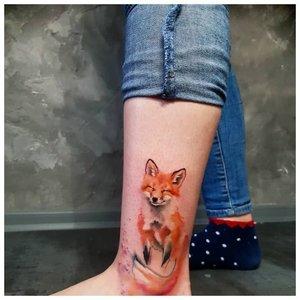 Акварельная тату лисы на щиколотке