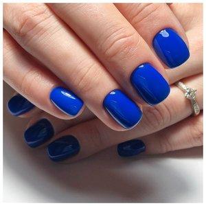 Классический синий маникюр шеллаком