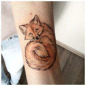 Нежное тату лисицы