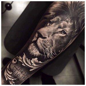 """Тату льва в стиле """"реализм"""""""
