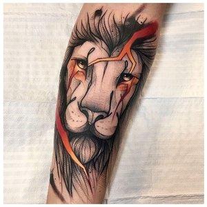 """Тату льва в стиле """"лайнворк"""""""