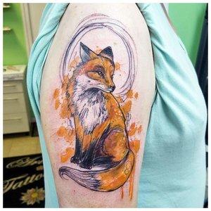 Тату лисицы на плече