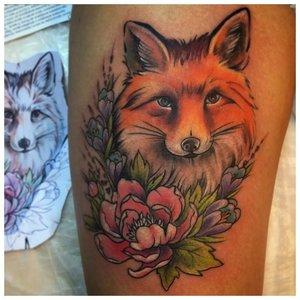 Тату лисы с цветами в акварели